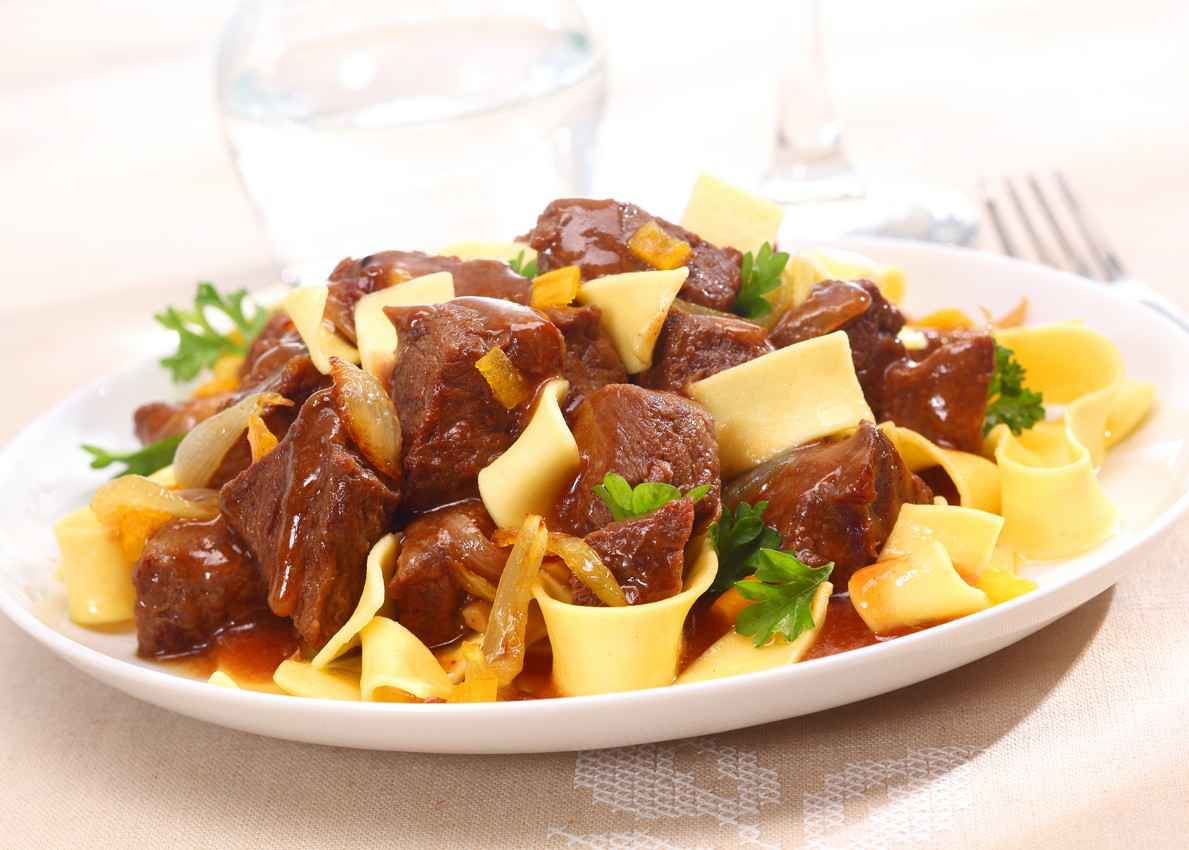 A delicious mix of beef with noodles.