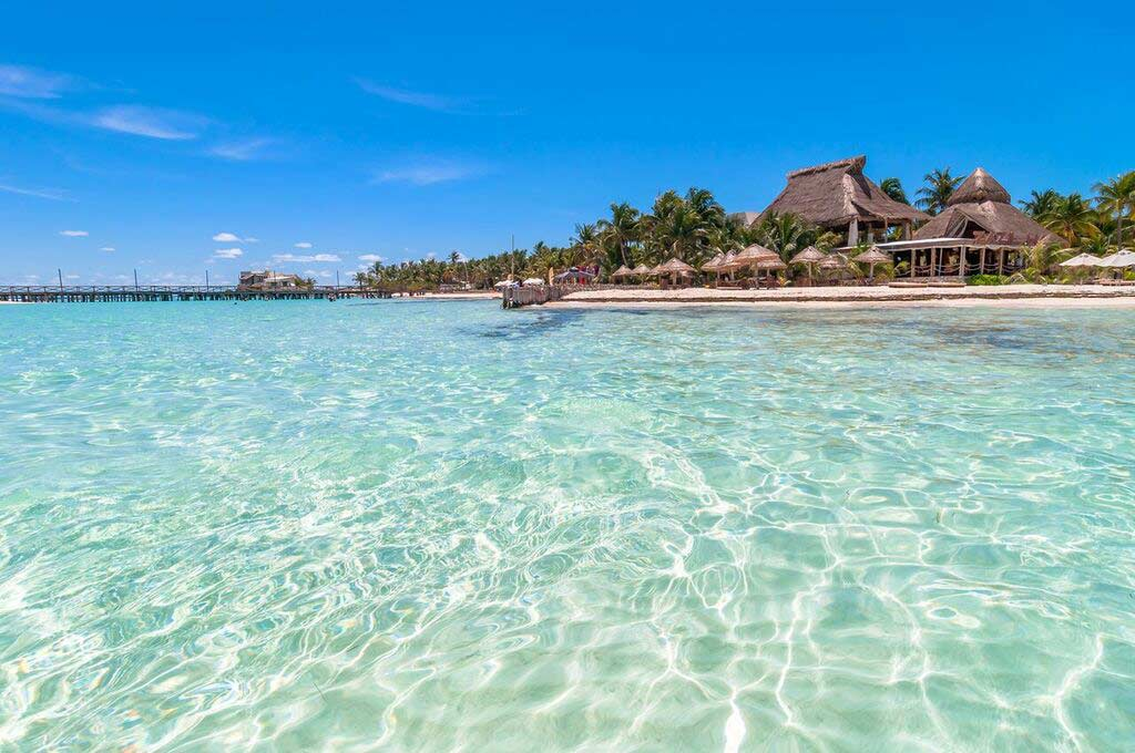 crystal-clear-water-seen-on-a-booze-cruise-perfect-for-snorkeling