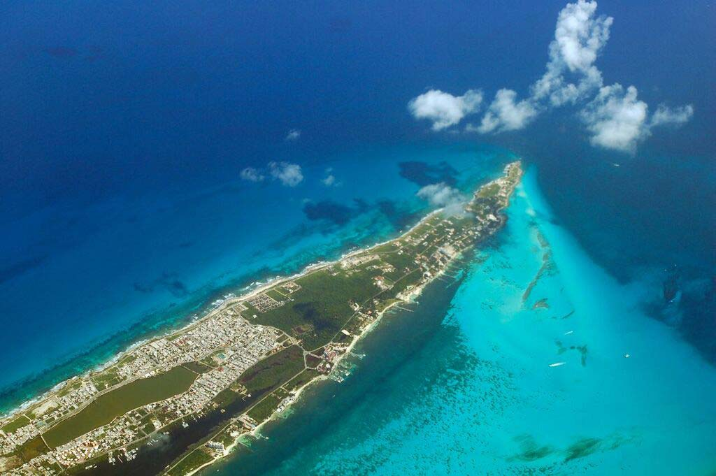 playa-del-carmen-booze-cruise-route-seen-from-the-air