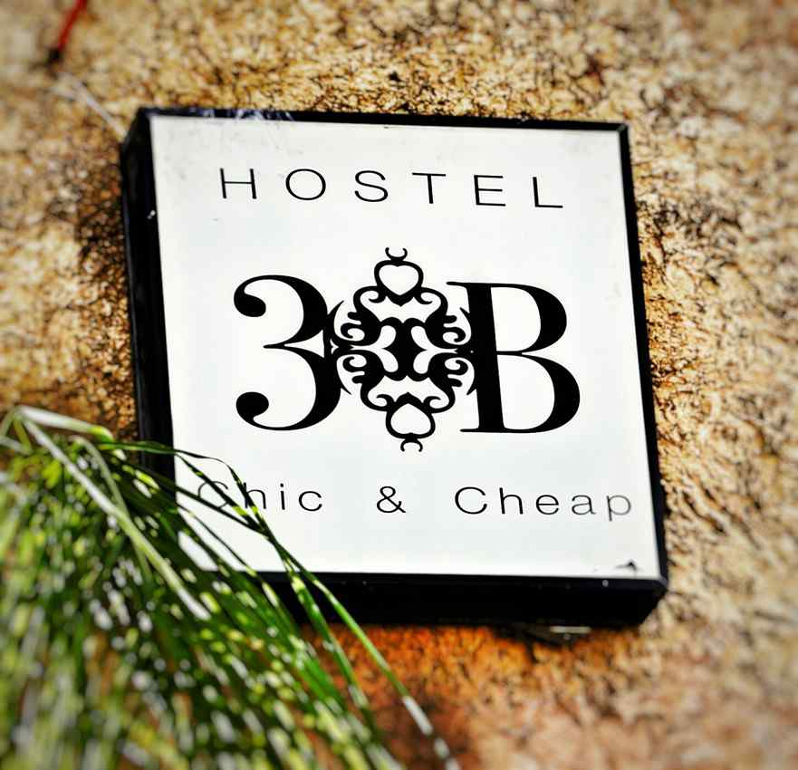 Hostel 3B in Playa Del Carmen entrance sign.