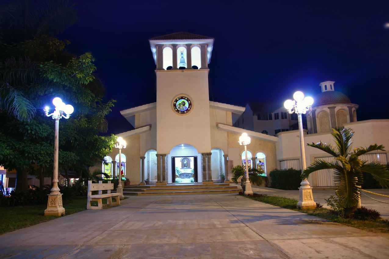 Another view of the beautiful church near the town center in Puerto Morelos.