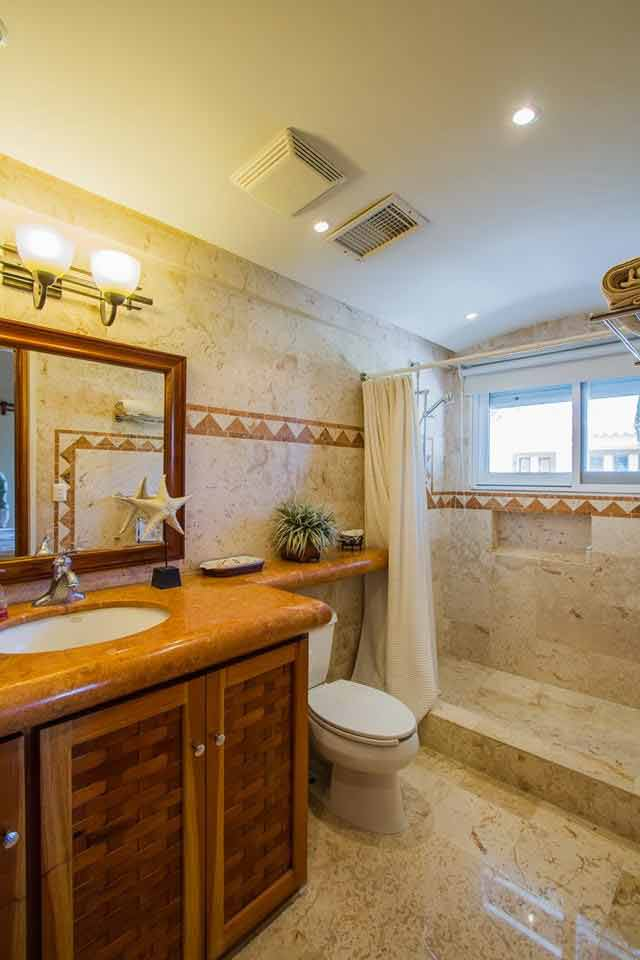 bathroom-of-princess-suite-of-villa-del-mar-in-playacar-playa-del-carmen