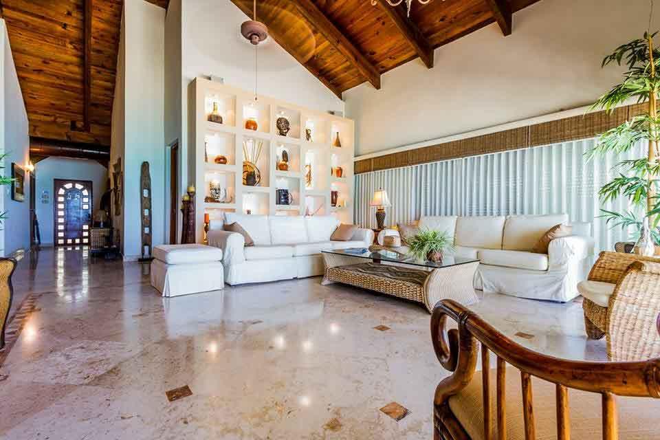 living-room-of-villa-del-mar-playacar-vacatioin-rental