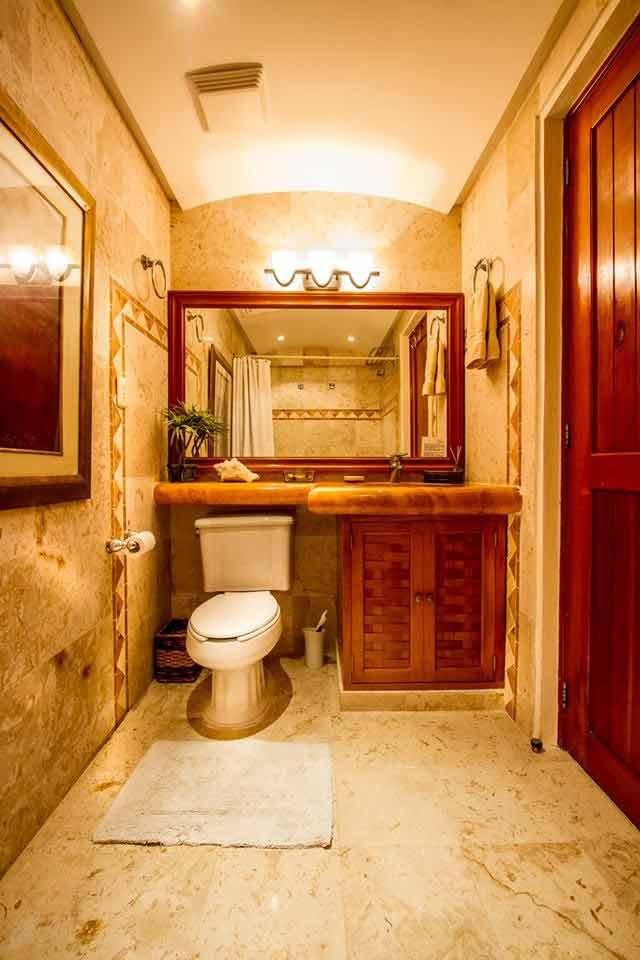 villa-del-mar-garden-bathroom-playacar-vacation-rental