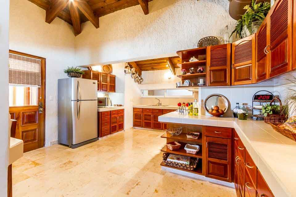 villa-del-mar-kitchen-in-playa-del-carmen-vacation-beachfront-rental