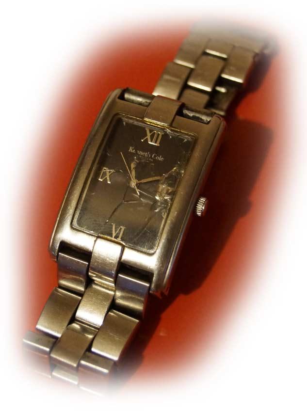 my-broken-watch-showing-playa-del-carmen-time