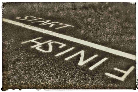 "The word ""finish"" and ""start"" divided by a line between them."