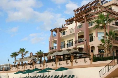 Several vacation condo rentals near the beach in Playa Del Carmen.
