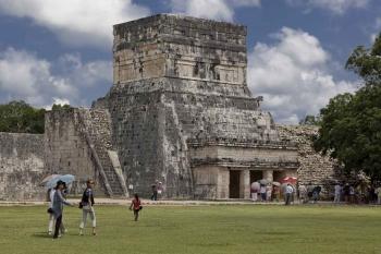 Some Mayan ruins in Chichen Itza.
