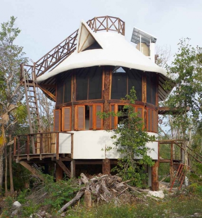 A unique house built in the Playa Del Carmen jungle.
