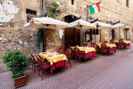 An outdoor Italian restaurant.