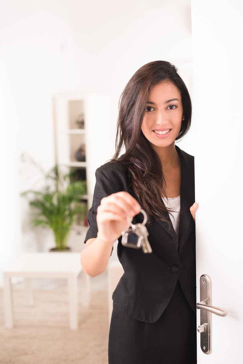 Sexy estate agent