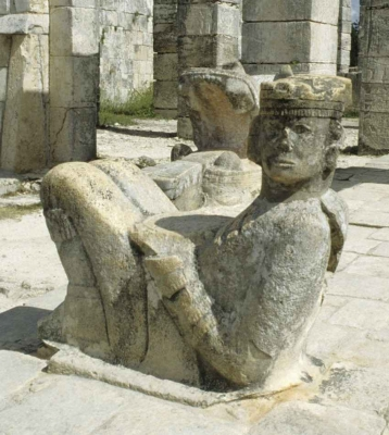 Another Mayan statue at the Warriors Temple.